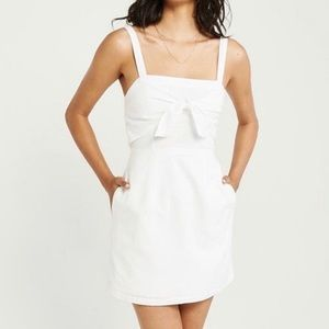 Abercrombie & Fitch tie-front dress